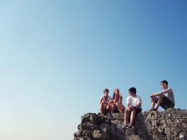 Jugendliche beim Abhängen